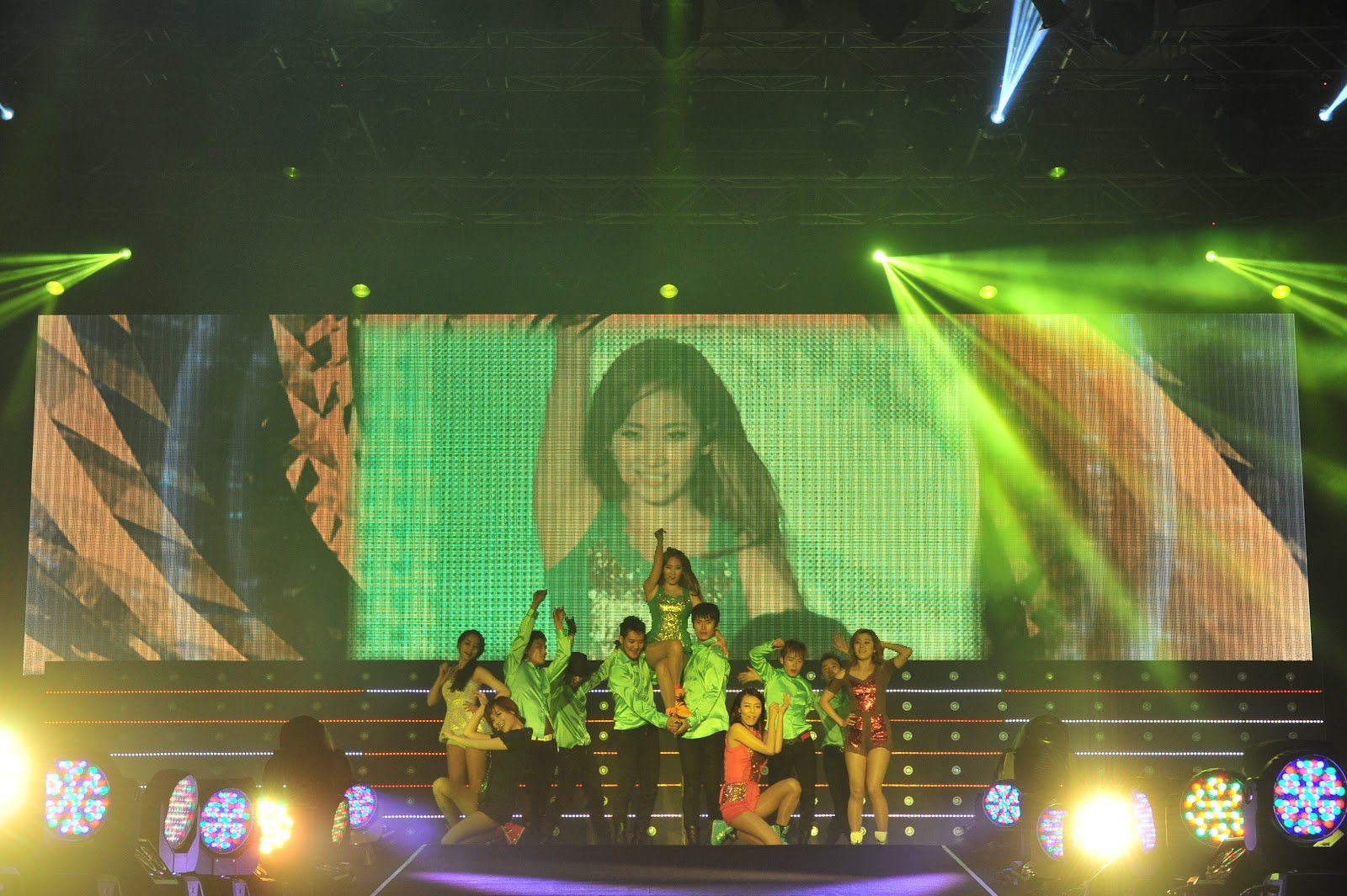fb58c4e5ac567 The five-member girl group (Yubin, Sunye, Ye Eun, Sohee, and Hyelim) from  JYP Entertainment took the stage with a total of 23 songs, showcasing not  only ...