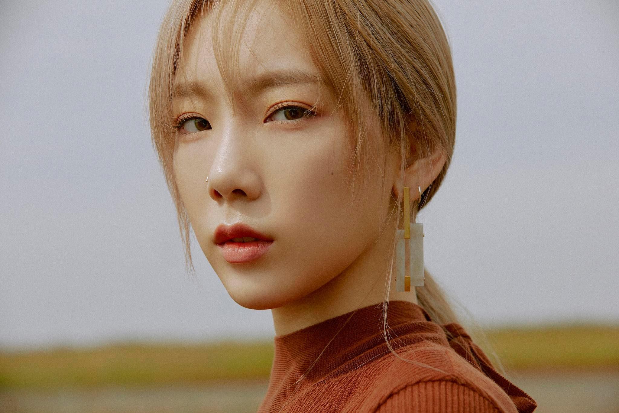 Snsd taeyeon se izvinjava fanovima u zračnoj luci zbog druženja s egzovim baekhyunom