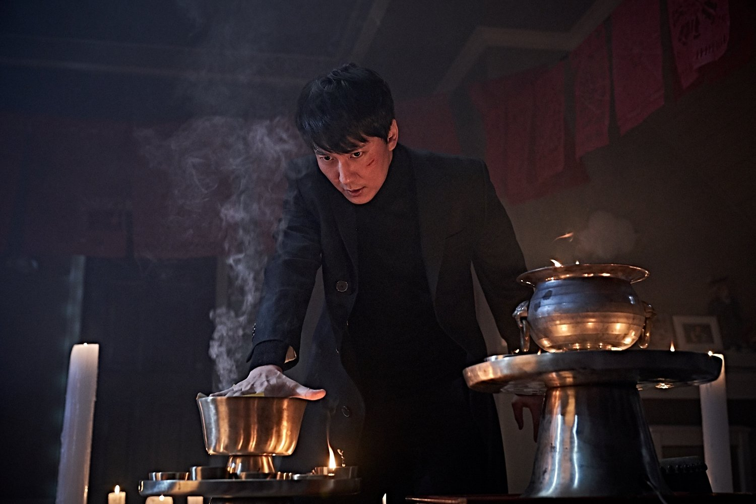 K-Movie] Ha Jung-woo and Kim Nam-gil Heighten Tension in New Horror Film 'The Closet' - HallyuSG